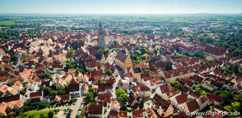 Luftaufnahme der Nördlinger Altstadt.
